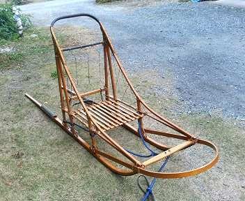 ノスタルジックな木製橇